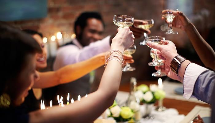 1140-dinner-cheers.imgcache.rev9d7e4ff87ab9785d896905672cdac6df